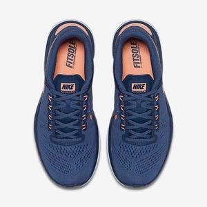 Nike Flex RN Shoes